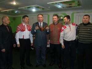 Слева направо: Тимĕр Тяпкин, Владимир Алмантай, Валерий Сапожников, Валем, Николай Балтаев, ...