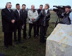 Слева направо: Виталий Иванов, Владимир Алмантай, Николай Балтаев и др. Интервьюер Марина Карягина.